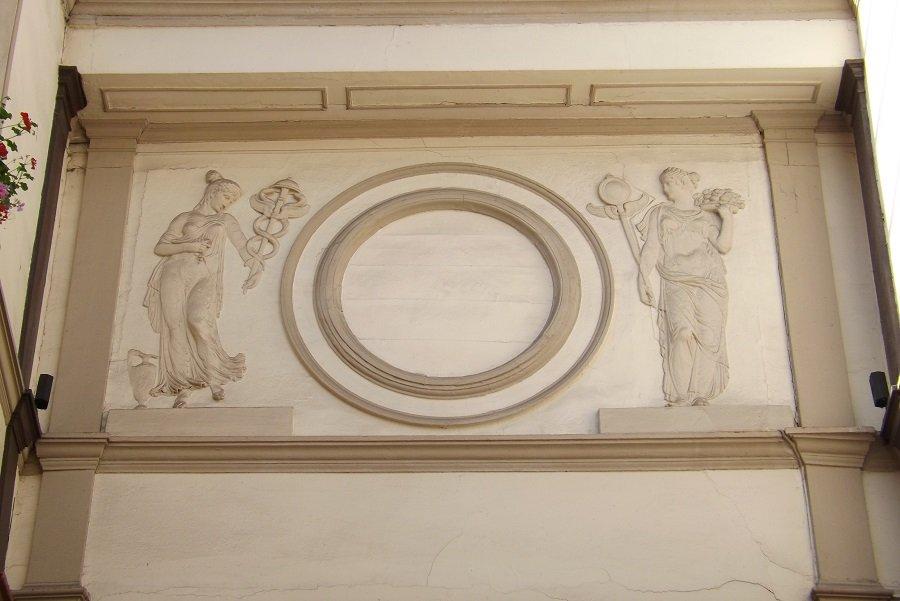 reliefs intérieurs passage grand cerf