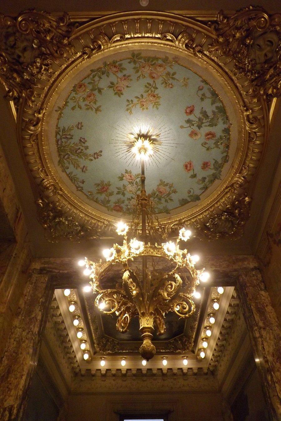 opéra comique vestibule précédant le foyer