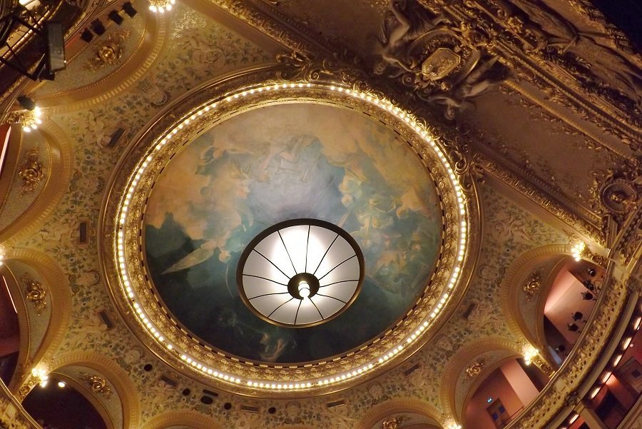 plafond salle spectacle